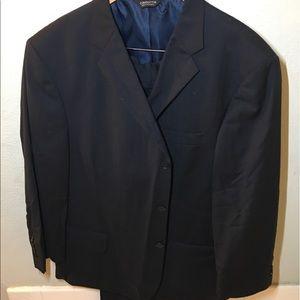 Claiborne Men's Suit